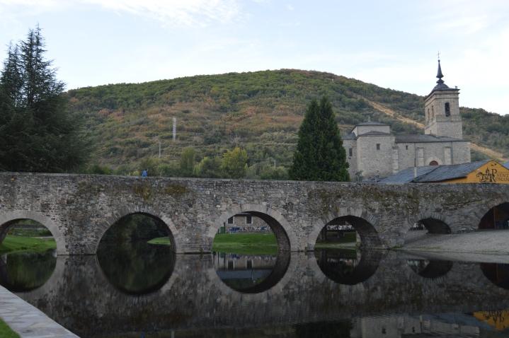 Beautiful bridge and reflection at Molinaseca