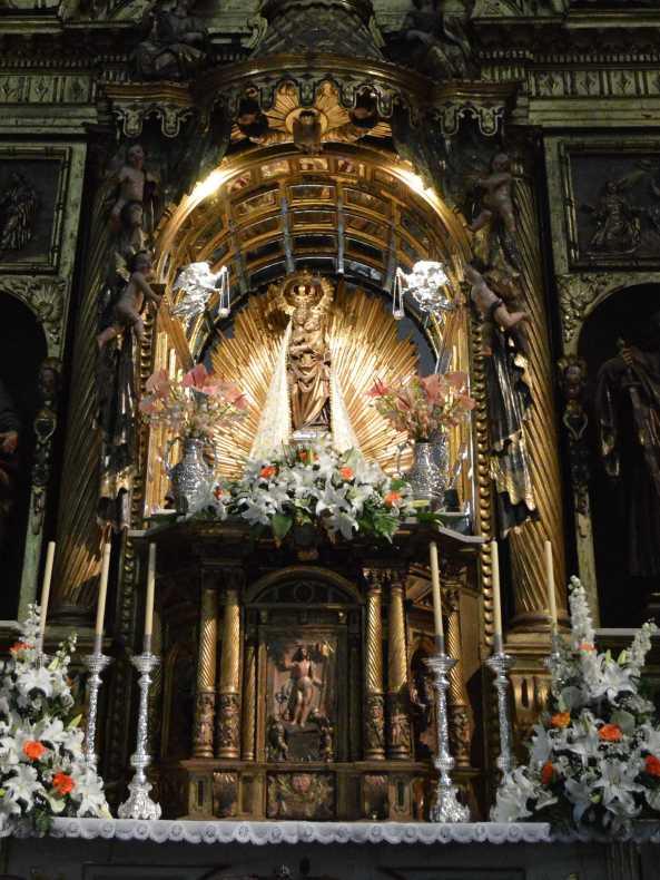 Altar at Basilica de Santa Maria de la Encina. See la Virgen de la Encina