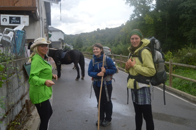 Jacqleen meet Vernoica and Julia before our journey up the mountain
